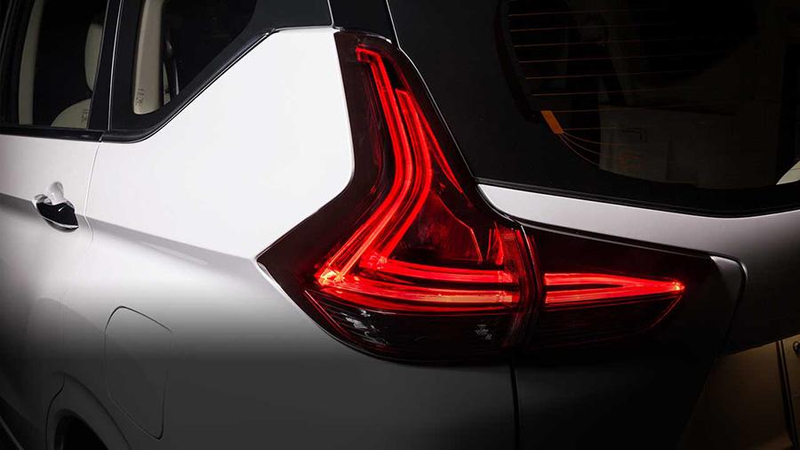Đèn hậu LED đẹp mắt hình chữ L